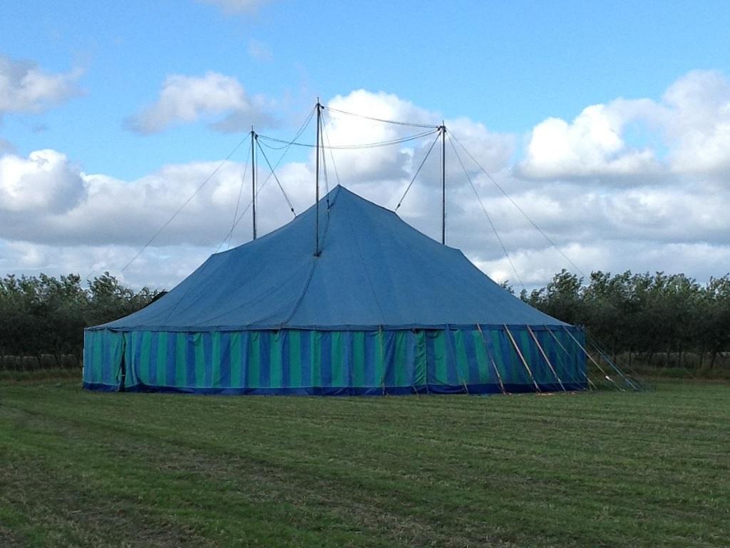 Folkekære Brugte telte | Salg af brugte telte - Vi har de rette telte til en BY-47
